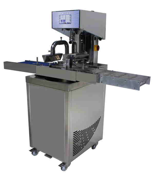 Continuous tempering machine for chocolate
